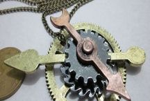 Cosplay and Steampunk Costume Jewelry / Great costume and cosplay jewelry pieces