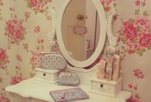 SHABBY AND VINTAGE FURNITURES