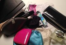 Co skrývají kabelky českých žen? / A co skrývají vaše kabelky? Přidáte se? :-) Těšíme se na vaše fotky! Začněte sledovat (follow) tuto nástěnku a my vás přidáme mezi přispěvatelky - budete moct vložit svůj vlastní snímek.