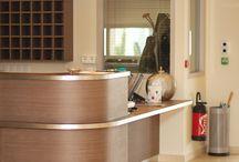 Résidence Les maisonnées de Martigues / Cosi - Rouge et blanc - Résidence sénior - Décoration interieur - Lumière - Confort - Zen