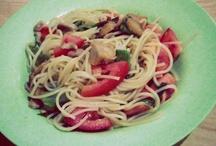 Simple Pasta / Spaghetti, olive oil, fresh tomato, garlic and chicken