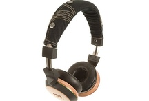 On Ear Headphones / These are headphones which sit on the ears rather than over them. As a result, they're usually a bit smaller and lighter than over-ear models. They work well at the gym and on the go. They tend to have foam, soft leather, or memory foam pads for comfort.