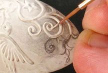 PMC Inspiration / Precious Metal Clay is ideal for mixed media (glass, gems, ceramics etc). As a relatively new material new techniques and combinations are continually being developed. Here are some that inspire us.
