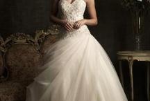 Wedding Dress Ideas / Dream Dresses for Inspiration