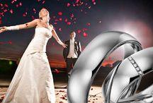 Acredo / Acredo is het merk voor uw trouwringen. U kunt met Acredo zelf uw trouwringen ontwerpen, thuis op uw computer of bij ons in de winkel. Tevens heeft Acredo een uitgebreide collectie ringen waar u zo uit kunt kiezen. Bijna alles is mogelijk bij Acredo, tot en met uw vingerafdruk aan toe.