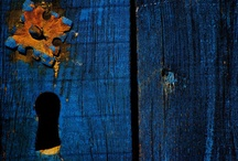 """Couleur """"Bleu"""" / le bleu est la couleur de la tolérance et représente l'équilibre, le contrôle de soi, les tendances à la générosité, à la bonté, un comportement réfléchi et le besoin de sérénité."""