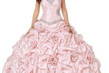 Vestidos de Quinceañeras / Vestidos de Quinceañeras Confeccionados a medida para alquiler o compra Información: Whatsapp 3105263955 Alfombra Rosa vestidos/ Facebook