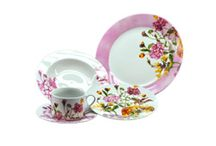Summer Floral Tableware / I love to change my Tableware with the season.