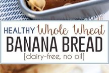 A classic recipe made with wholesome ingredients, this Healthy Whole Wheat Banana Bread is dairy-free, contains no oil, and still 100% delicious! / A classic recipe made with wholesome ingredients, this Healthy Whole Wheat Banana Bread is dairy-free, contains no oil, and still 100% delicious!