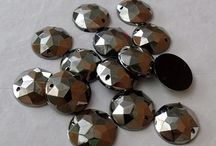 Jewels / Sew on jewels in acrylic or glass rhinestone for costumes and bridal