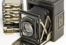 Dallmeyer / Dallmeyer was a British company, founded in 1860. Their main business was to manufacture lenses, but they also sold cameras. Some of these were manufactured by Dallmeyer themselves, some were made elsewhere then equipped with Dallmeyer lenses and sold under that name. (Camerapedia)
