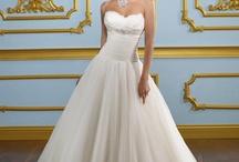 Wedding dresses / by Jennifer Washbrook