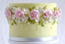 FOOD: Cakes & Cupcakes / Wedding cakes, pretty cupcakes and ideas for pretty pastries.