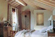 Una habitación de campo abuhardillada / Ideas dormitorio bungaló