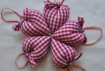 Dekoráció: szivecske textilből