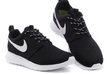 Nike Roshe (45€) / Tallas: de la 35 hasta la 45 Envío gratis