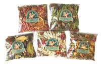Christmas And Holiday Potpourri / Earthy, spicy, woodsy scents. Holiday potpourri and fragrances can make your whole house smell great!