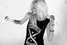 Heart by Nana Judy / Heart by nANA jUDY is the new face in women's street style, all the way from Australia. Heart by Nana Judy encapsulates the essence of teen spirit, reminiscing the times of iconic muses of rock and their definitive style.