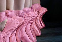 Ballet Pointe Shoes / Ballet