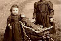 Старинные фото девочек с куклами