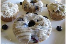 baked goods / by Delia Gomez