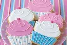 Cookies, cupcakes and other... / Food