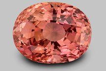 Sapphire, Padparadscha / Padparadscha Sapphire Rings & Jewelry