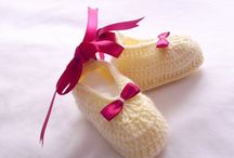 Baby Shower ideas / baby-girl-boy-slipper- baby shower-sweater