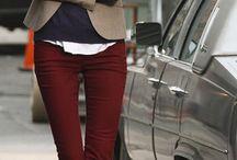 Look avec un pantalon bordeaux