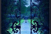 Entrance / door, entry, entree