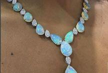 Féldrágakőből készült ékszerek/Semi-precious stone jewelry