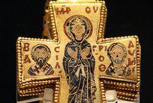 Reliquary / Medieval reliquary