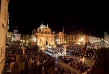 Dubrovnik: A photo travel guide / The most up-to-date collection of sights, bars, nightclubs, museums and events for this great travel destination. Follow us and help contribute your own fantastic pins to this living pinboard.