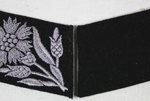 runas / distintivos
