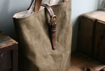 Bags and Totes / by Elizabeth Olavarria