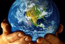 Bola dunia / Jadikanlah dirimu sebagai manusia yang akan selalu di butuhkan oleh manusia lainnya di bumi ini....
