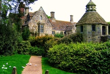 Cottages, mansions & co / Looking for the perfect house