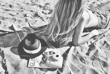 Kaninibikini / We love bikini's, the pool, beach and summer!