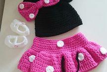Baby Photoprops newborn / Hier findet ihr einige meiner Kostümchen die ich euch zum Verkauf auf DAWANDA anbiete. Crochet Photoprops for newborns.