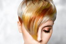 färg i korta hår.