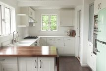 Kitchens / by Kendra Puryear