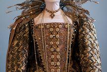 Dresses (14-15 centures)