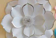 flores grandes de papel