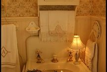 vintage bathrooms / by Jackie Vestal