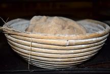 Bread with soul / El pan tiene vida e identidad propia. Hay que dejar que las harinas y el agua leuden lentamente, sin prisas, con fermentos naturales y estos son los resultados... / by Paladar y Tomar
