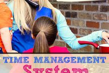 Time Management mom tips / Time Management Tips to help you with keeping your life together.  These tips and tricks are specifically for stay at home and work at home moms.  Set goals and create routines.