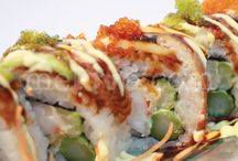 Me Love Uramaki / Six large rolls with rice on the outside and a choice of fillings / by Me Love