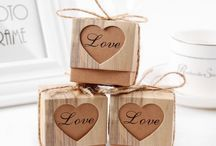 Wedding gifts / Buy unique and special gifts for various occasions including wedding, birthday. Buy luxury gifts, home decoration, artificial plants and flowers