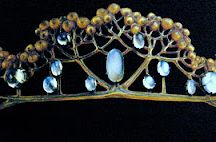 Tiaras and other Delicious Jewels / jewels / by EJ