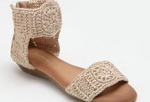 calçado de crochê
